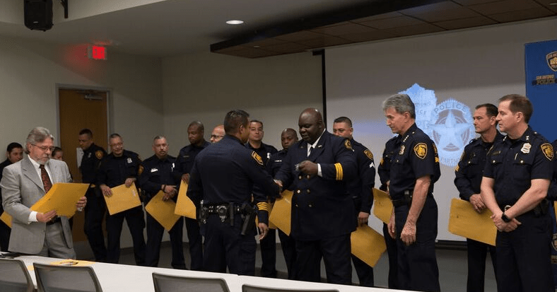 DPD Presents Special Awards to San Antonio Police Officers