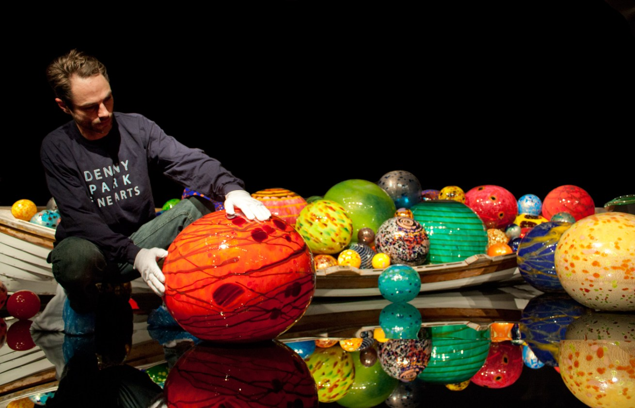 Dale Chihuly, <i>Float Boat</i>, <br>2012, Chihuly Garden & Glass, Seattle, WA