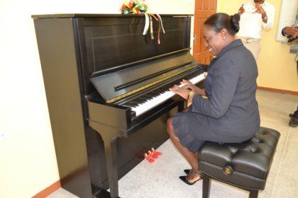 DSC_4552.JPG-piano-june20