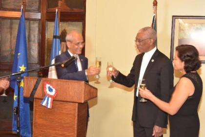 President David Granger, Ambassador, Mr. Michael Prom and First Lady, Mrs. Sandra Granger toast to the health and wellbeing of the President and people of France.