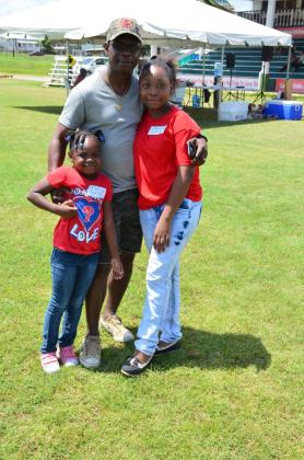Parent Orin Porter and his children who participated in the youth camp