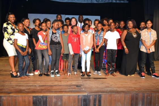 First Lady, Mrs. Sandra Granger and the ensemble cast and crew of 'Emerge 5' at the Theatre Guild