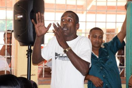 Leslie Kaladin, a miner raising his concerns at the meeting with Minister of Natural Resources, Raphael Trotman