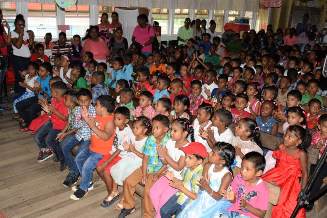 The children who participated in the Christmas party
