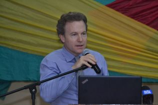 Bruce Marshall conducting the lecture