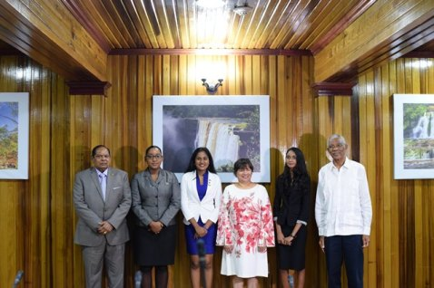 Prime Minister for a day - Delecia George, President for a day - Renuka Persaud, and Canadian High Commissioner for a day - Sara Mohan pose for a photo with President David Granger, Prime Minister Moses Nagamootoo and Canadian High Commissioner to Guyana, Lilian Chatterjee.