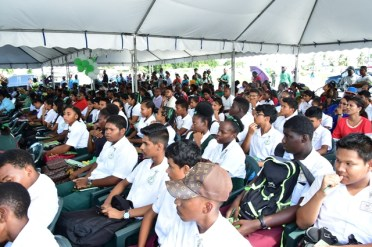 Residents of Anna Regina gathered at the Town's car park for a community meeting today.