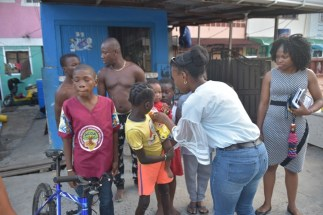 Councillor Eketa Edwards also did her part in sharing gifts to the children in her constituency.