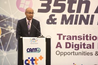 Outgoing Chairman of CANTO, Julian Wilkins addressing the audience.