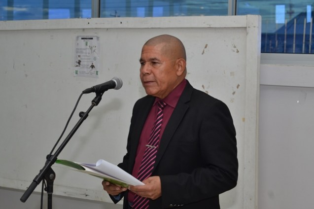 Minister of Social Cohesion, Dr. George Norton addressing the gathering at the coaches' clinic.