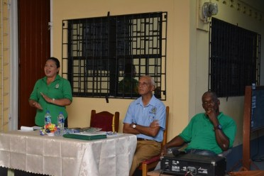 Minister of State, Hon. Dawn Hasting-Williams speaking with residents.