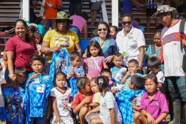 Minister of State, Hon. Dawn Hastings-Williams with Jawalla residents after her donation of sport gear and school supplies