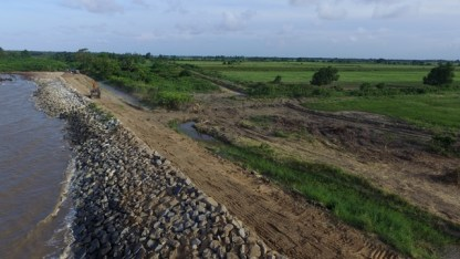 Sea defence project at Cane Garden, Leguan