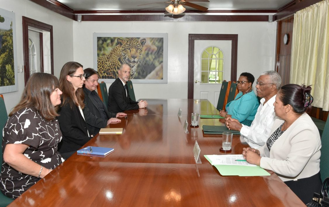 President David Granger (centre, right) meets with representatives of the Carter Center at State House. Also present were Minister of Public Health, Ms. Volda Lawrence and Minister of State, Mrs. Dawn Hastings- Williams. The Carter Centre was represented by Ms. Brett Lacy, Associate Director of Democracy Programmes; Mr. Carlos Valenzuela, Senior Advisor and International Electoral Expert; Ms. Anne Marlborough, Legal Analyst and Mr. Nicholas Jahr, Political Advisor