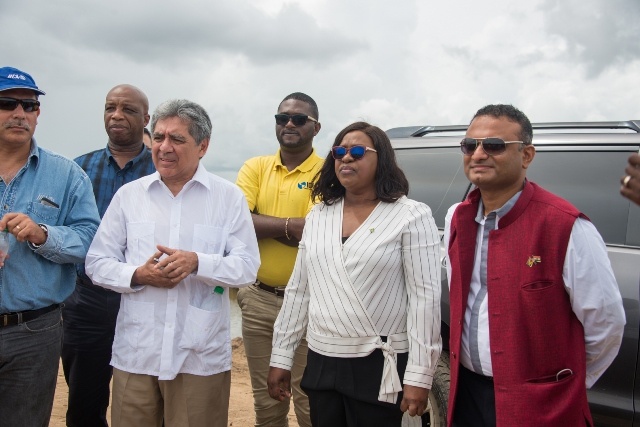 MNP4782 - Minister of Foreign Affairs, Hon. Dr. Karen Cummings along with members of the Diplomatic Corps inspecting flood-affected communities in Region 5.