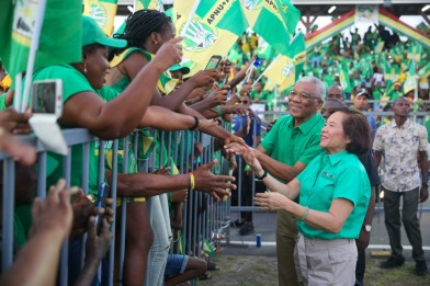 HE. President David Granger and First Lady Mrs. Sandra greet enthusiastic supporters