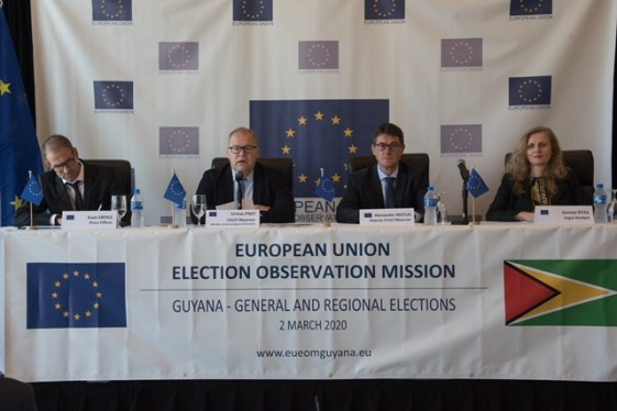 (from left) EU Press Officer, Evan Eberle, EU EOM Chief Observer Urmas Paet, EU EOM Deputy Chief Observer, Alexander Matus and Legal Analyst Dorota Ryza.