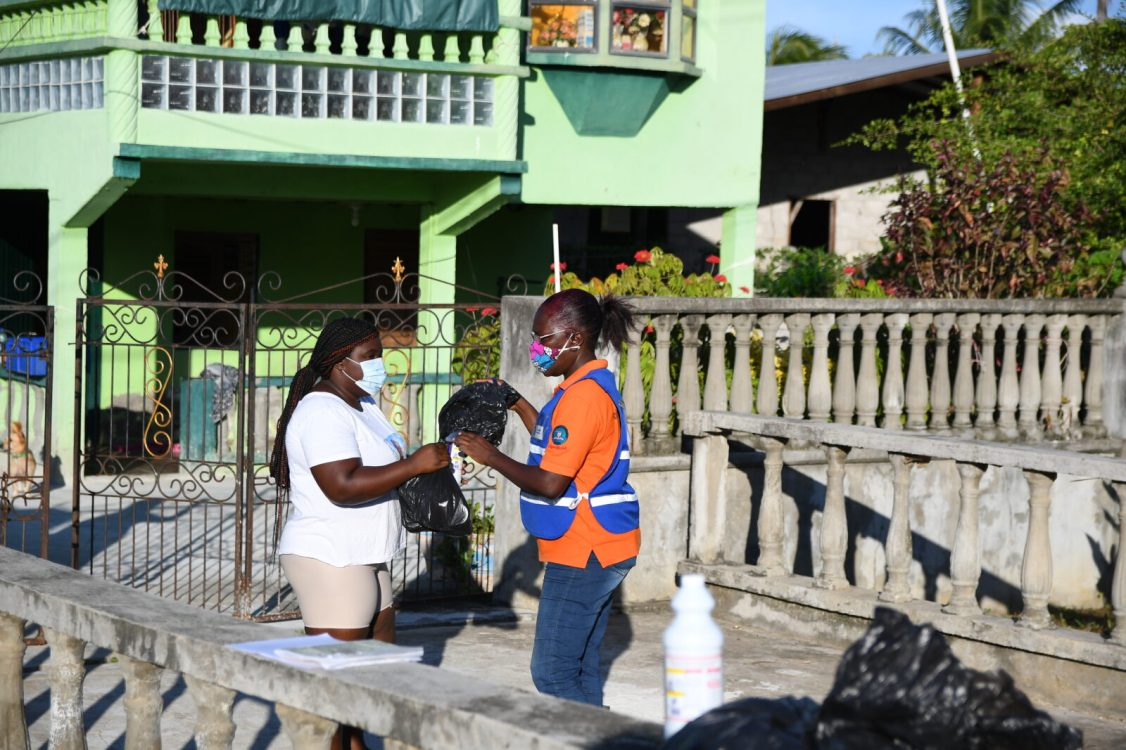 Residents receiving their hamper.