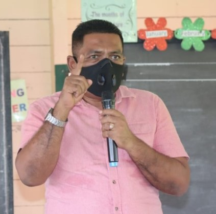 Minister Zulfikar while addressing farmers in Wakenaam