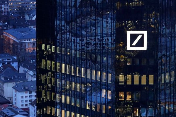 Global Bank Run Starts With Deutsche Bank As Clients Pull $1 Billion A Day (#GotBitcoin?)