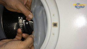 lavadora-pierde-agua-sustituir-goma-puerta