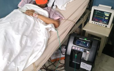 Patient in India Benefitting from the DPM O2 Concentrator