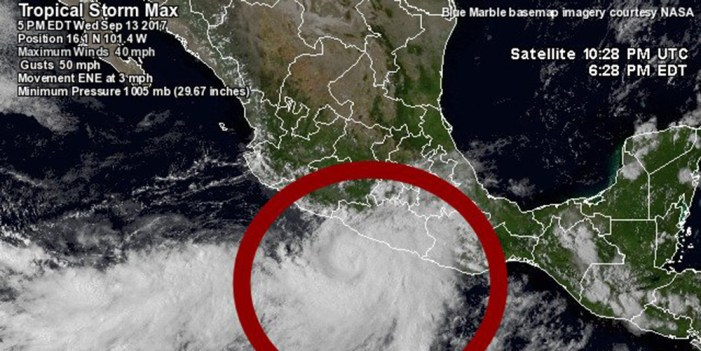 Huracán Max alcanza categoría uno frente a costas de Guerrero