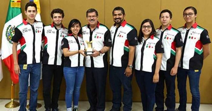 Mexicanos obtienen premio internacional de robótica en Japón