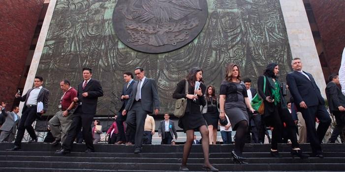 Diputados se autorizan bono navideño de 209 mil pesos