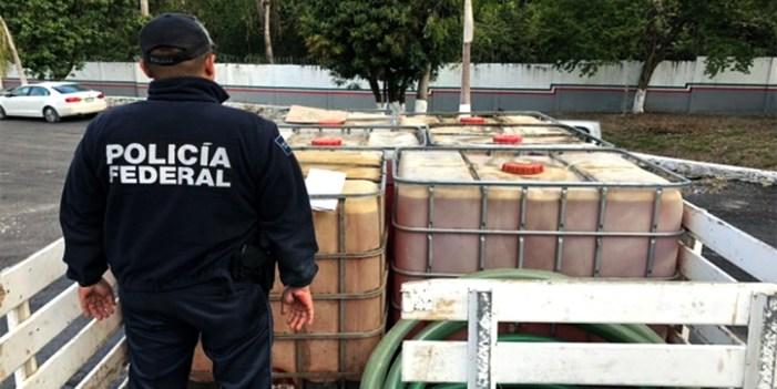 """Guerra contra """"huachicoleo"""" golpea 0.2% del PIB: Banorte"""