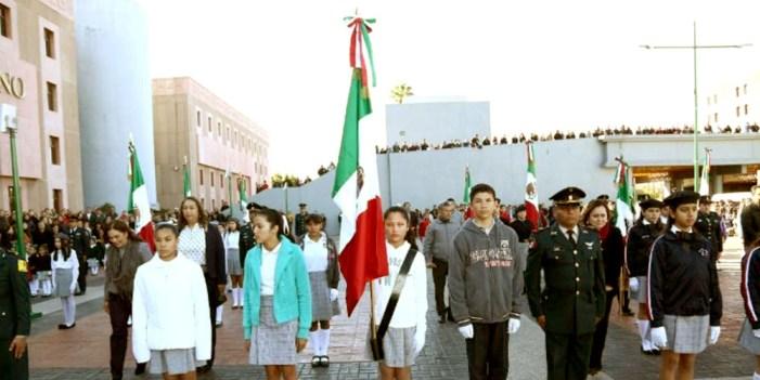 Celebran autoridades educativas Día de la Bandera