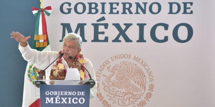 Llama López Obrador a la unidad, contra corrupción y desigualdad