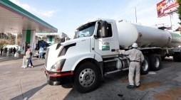 Impuestos encarecen costo de combustibles: Canacar