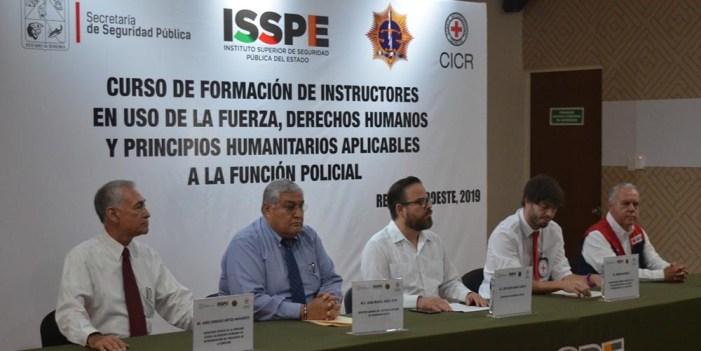 Cruz Roja Internacional forma instructores en uso de la fuerza y principios humanitarios