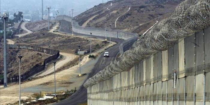 """Aprueban 3 mil 600 MDD para el """"Muro de la discordia"""""""