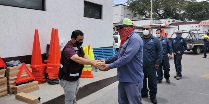 Entrega Oomapas equipo de trabajo y material de seguridad a empleados de campo
