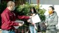 Entregan solicitudes de becas en Educación municipal