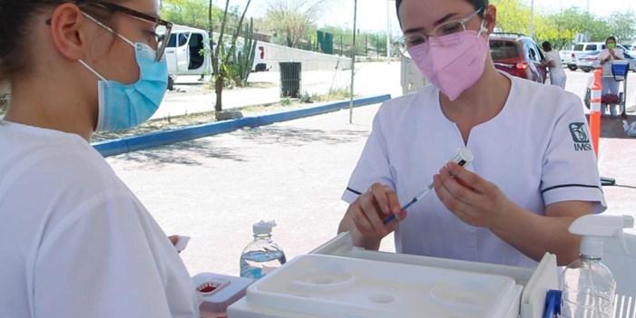 Avanza vacunación contra COVID-19