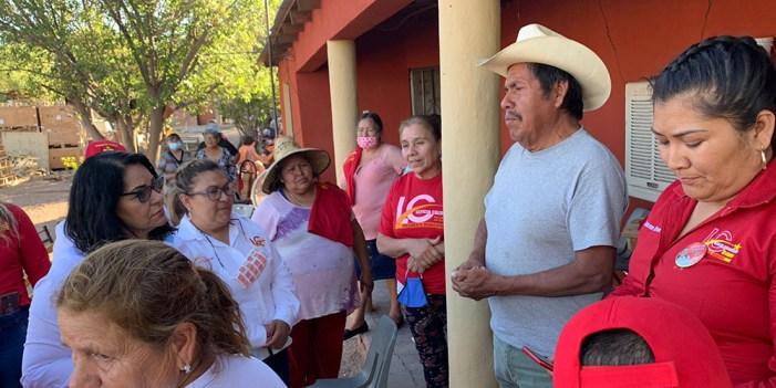 """Leticia Calderón visita Mascareñas y """"Los picos"""""""