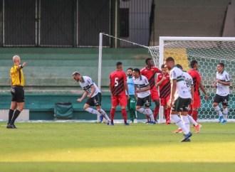 """""""Se o Campeonato Paranaense tivesse que acabar hoje, o campeão seria o Coritiba"""", diz presidente do FC Cascavel"""