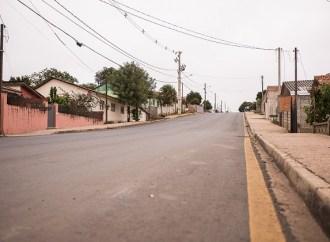 Deputado Plauto consegue recursos para trocar iluminação das ruas de Carambeí