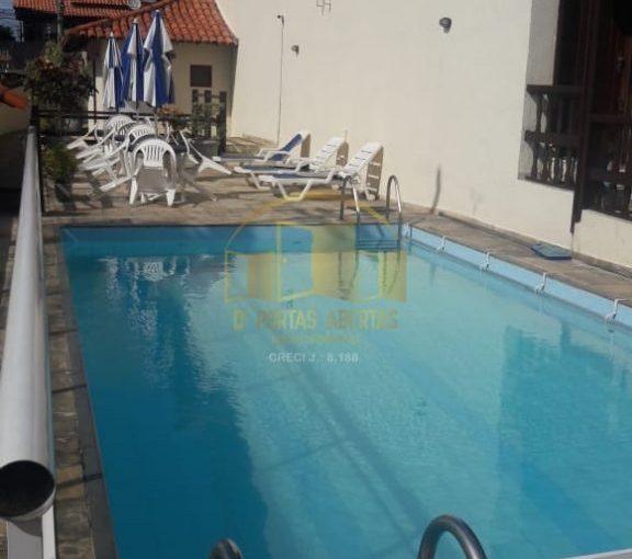 Ótima casa em condomínio no Braga 3