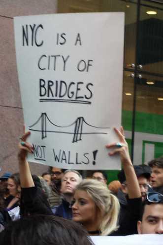 NYC is a city of bridges, not walls!
