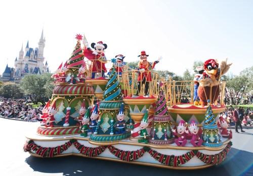東京ディズニーランド 「ディズニー・サンタヴィレッジ・パレード」(イメージ)(c)Disney