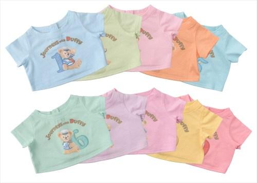 ダッフィーのTシャツ(10種類)各1800円 (c)Disney