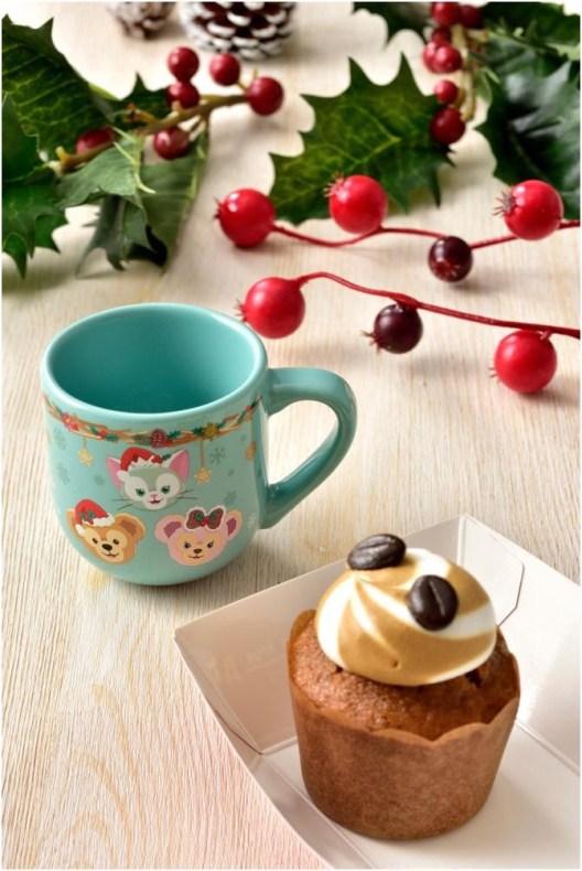 コーヒーカップケーキ、スーベニアデミタスカップ付き 580円 (c)Disney
