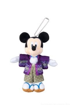 ぬいぐるみバッジ  1700円 (c)Disney