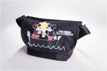 メッセンジャーバッグL 1万5800円 (c)Disney