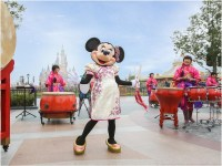 Minnie makes a surprise appearance during drum ceremony to send wishes to guests (c)Disney