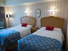 ディズニーアンバサダーホテルのミニーマウスルーム (c)Disney